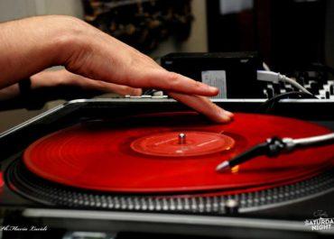 Organizza la tua festa con DJ